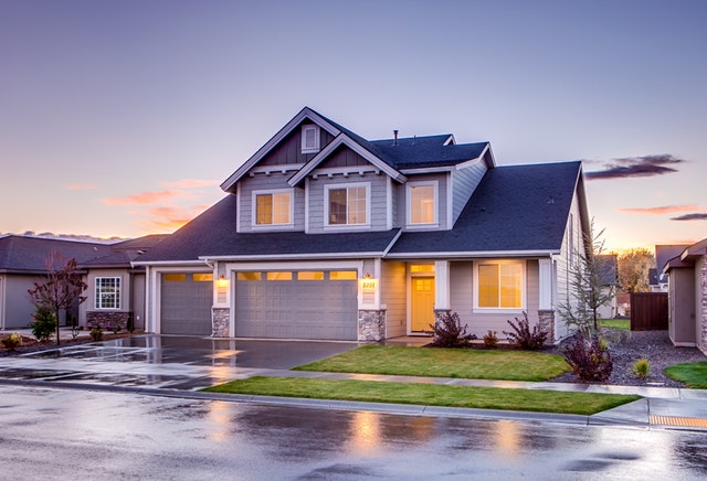 image of nice suburban house from M& M Insurance